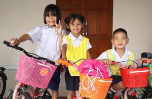 Centara-Supporting-Education-for-Local-Children-2